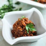 Risotto z brązowym ryżem, krewetkami, pomidorami i pestkami granatu