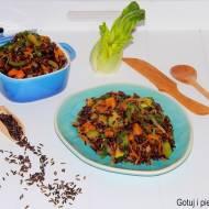 Czarny ryż jaśminowy z warzywami