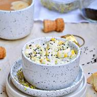 Sałatka makaronowa z brokułami i kukurydzą