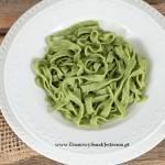 domowy zielony makaron