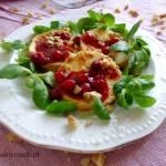 Grillowany oscypek z sosem żurawinowym i orzechami włoskimi
