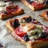 Pizzerki z ciasta francuskiego