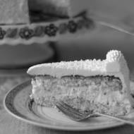 Tort kokosowy z kremem budyniowo maślanym