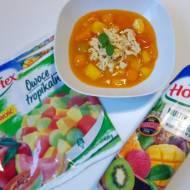 Tropikalna zupa owocowa z miętowo – limonkowymi kluseczkami