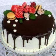 tort czekoladowy-wiśniowy z dripem