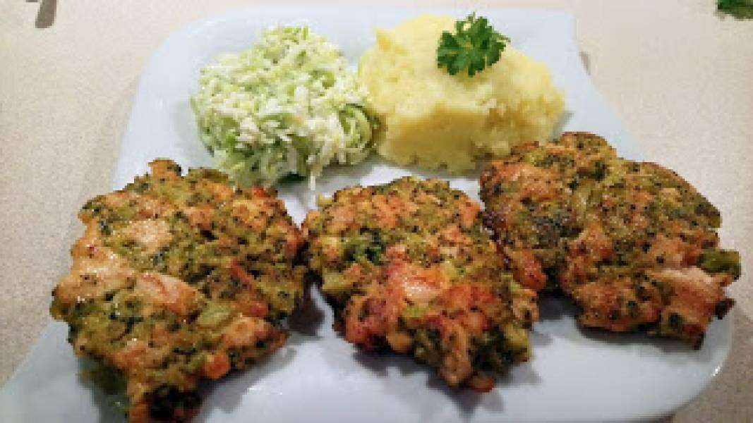 kotlety siekane z kurczakiem i brokułem