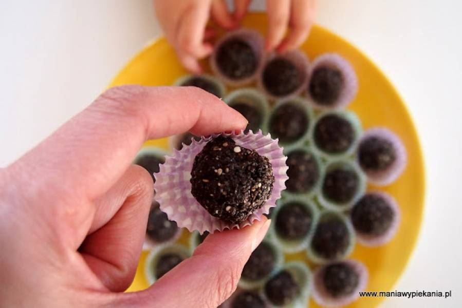 Kuleczki sezamowo-rodzynkowe (bez cukru, laktozy i glutenu)
