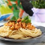 Spaghetti Z Sosem Pomidorowym Z Warzywami
