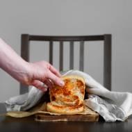 Orkiszowy chlebek odrywany z pastą z suszonych pomidorów. O co chodzi z tym orkiszem?