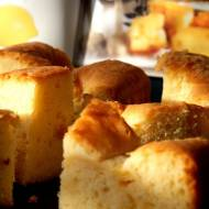 Albańskie cytrynowe ciastka z semoliną