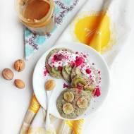 Owsiane placki z makiem i owocami