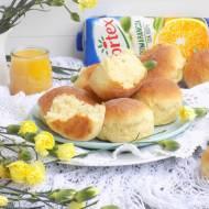 Słodkie bułeczki pomarańczowe.