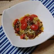 Spaghetti cukiniowe z pomidorami
