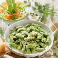 Zielone kluski warzywne z masłem i serem