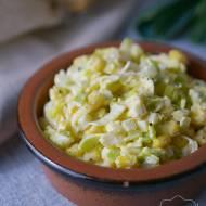 Sałatka z jajek, pora i kukurydzy