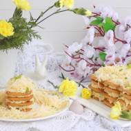 Pasta jajeczno-serowa na krakersach.