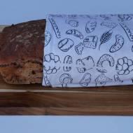 Pszenno żytni chleb na zakwasie z suszonymi pomidorami, orzechami i rozmarynem