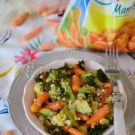 Zdrowa patelnia z kaszą jaglaną i mini marchewkami Hortex