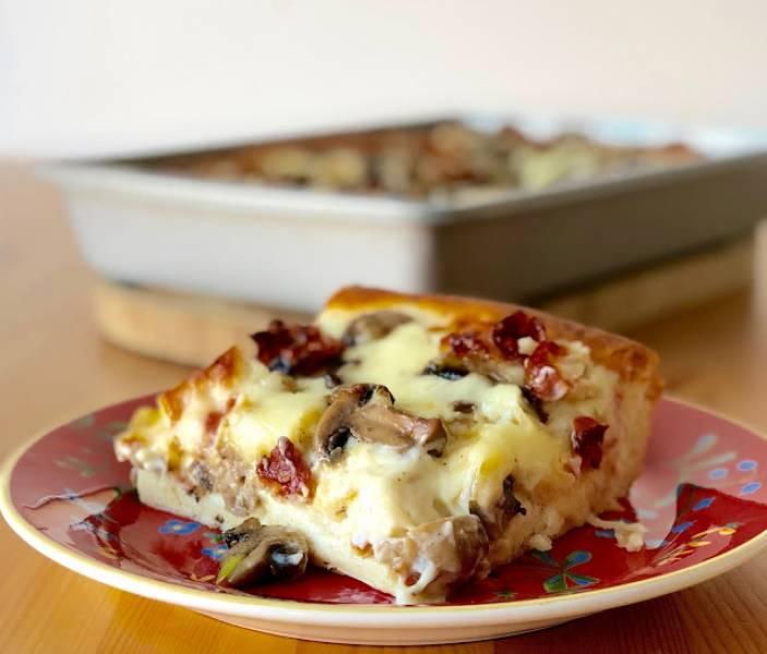 Pizza alpejska (na puszystym cieście)