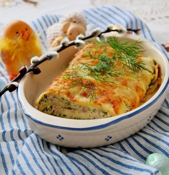 Wielkanocna rolada ziemniaczana z białą kiełbasą