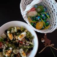 Wielkanocna sałata z jajkiem