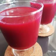 Świeżo wyciskany sok warzywno-owocowy
