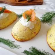 Wytrawne serniczki z wędzonym łososiem (Cheesecake al salmone affumicato)