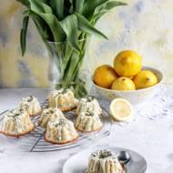 Cytrynowe babeczki z makiem i białą czekoladą