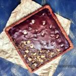 Bezglutenowy i wegański mazurek czekoladowy z orzechami