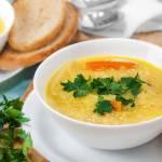 Zupa cebulowa z wegańskim serem