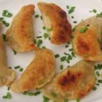 Pierogi czosnkowe z ziemniakami