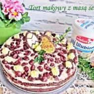 Tort makowy z masą serową