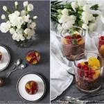 Kakaowy deser - pudding z chia, ciasteczkami, pomarańczami i granatem