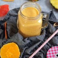 Jogurtowy koktajl (smoothie) z cytrusami i ananasem