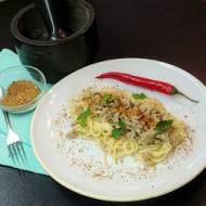Spaghetti z mięskiem i białym sosem