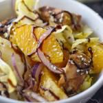 Sałatka z cykorią, kurczakiem i pomarańczą