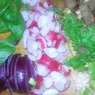 Pyszna niskokaloryczna salatka,jako drugie sniadanie