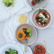 Papryka faszerowana brokułami i selerem naciowym