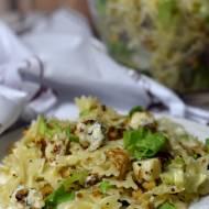 Sałatka z makaronem i gorgonzolą