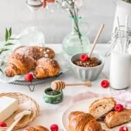 Domowe croissanty z malinową nutą