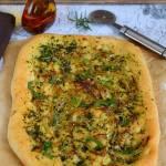 Focaccia z oliwą, ziołami i ziemniakami