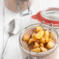 Cynamonowy pudding chia z jabłkami
