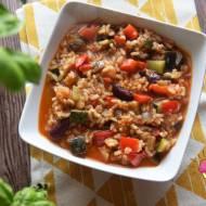 Paella z warzywami z patelni