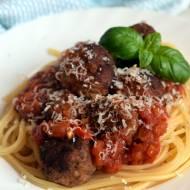Spaghetti z klopsikami w pomidorowym sosie (wg Jamiego Olivera)