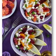 Sałatka z cykorią, pomarańczami i owczym serem roquefort