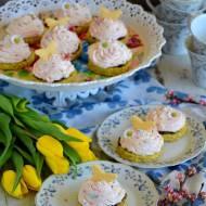 Babeczki makowe z kremem truskawkowym