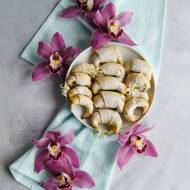 Półkruche wegańskie rogaliki (2 składniki)