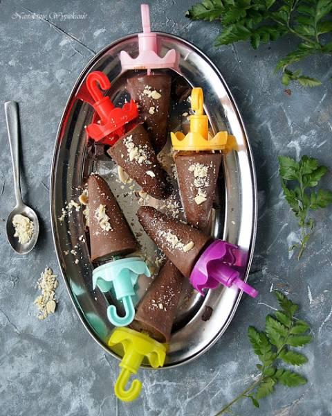Lody czekoladowe na patyku (z dwóch składników)