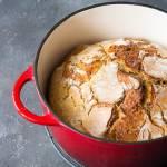 Chleb na zakwasie pieczony w garnku