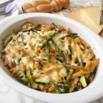 Makaronowa zapiekanka ze szparagami, cukinią i sosem serowym (Sformato di penne con asparagi e zucchine al formaggio)